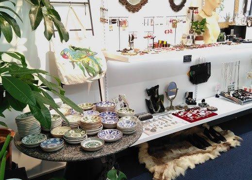 Milo Antiques & Vintage店舗内写真